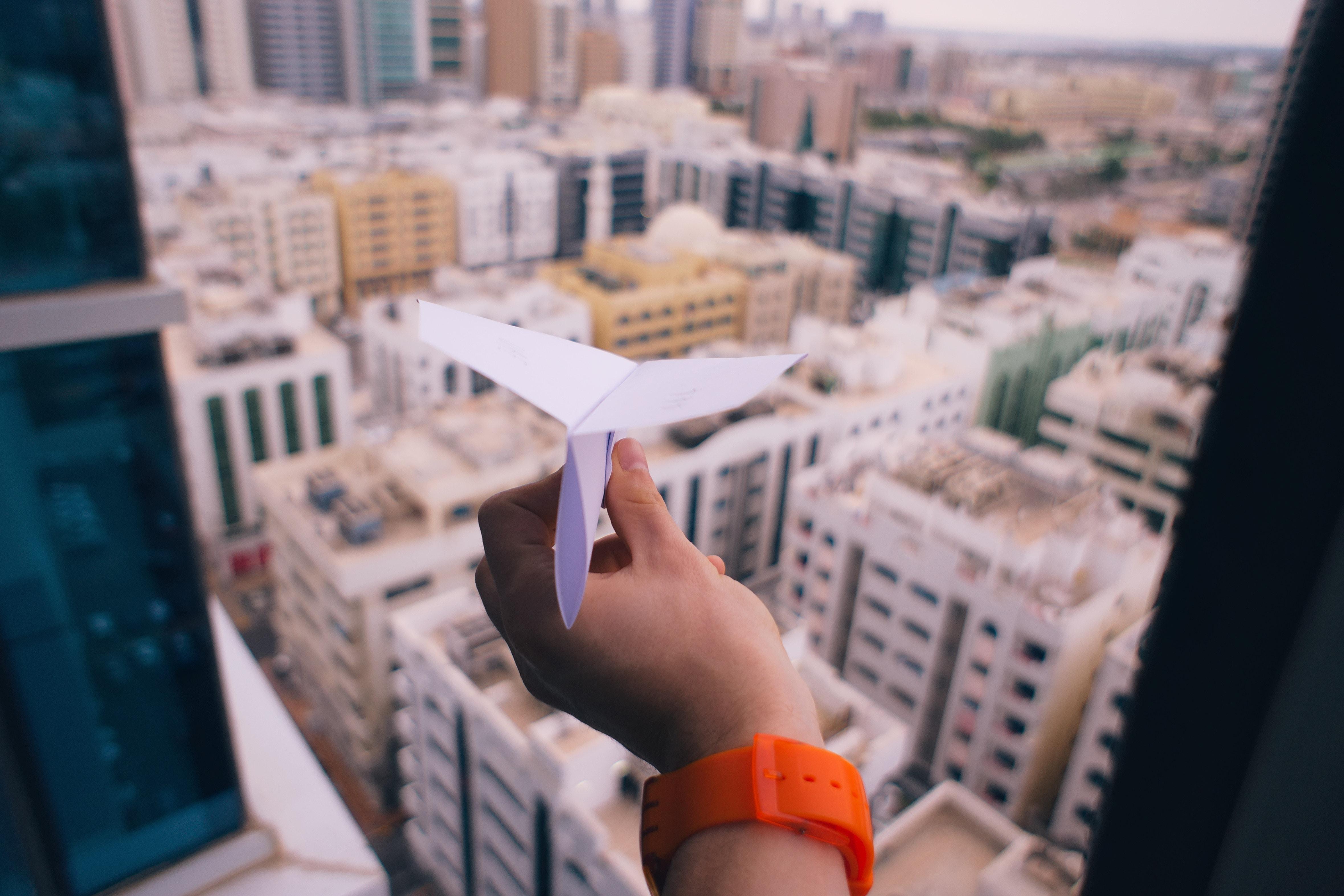 ville-bulding-avion-papier